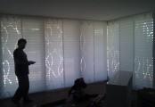 Zastínění velkých ploch pomocí posuvné panelové stěny