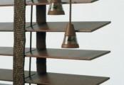 Detail dřevěných žaluzií